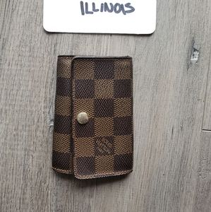 Louis Vuitton 6 key holder damier ebene